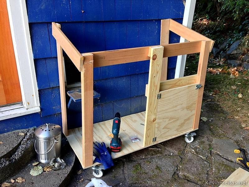 outdoor cat litter box enclosure 2