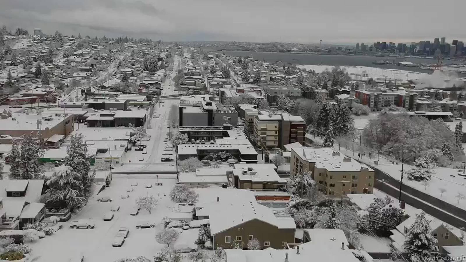 WAsnow from above in West #Seattle nn#wawx @westseattleblog